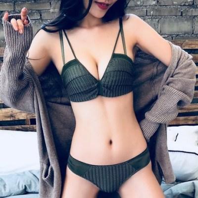 加厚小胸蕾丝内衣套装少女性感聚拢款胸罩无钢圈文胸收副乳防下垂