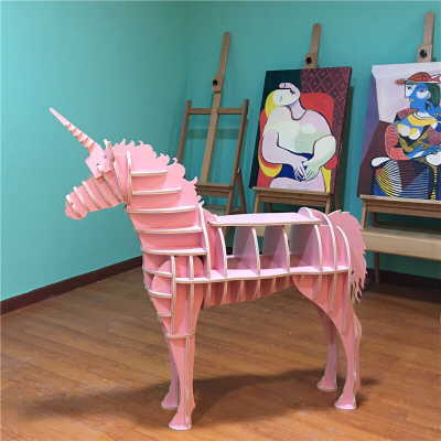 新款骏马动物书架独角兽天使马大师设计创意装饰摆件木质网红店